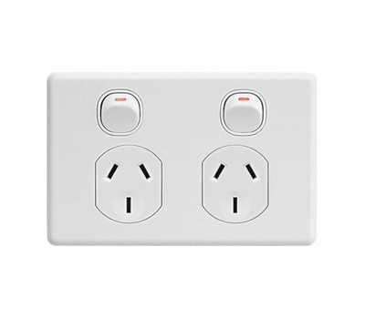 Clipsal C2025 | Double Power Point Twin Switch, Classic, 250V, 10A | C2025-WE