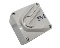 Clipsal WHA120 | Weatherproof Isolator, Surface Switch, 1 Gang, 1 Pole, 250VAC, 20A, Hoseproof, M80 Rating 20Amp | WHA120-RG